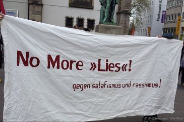 "Protest against Salafist ""Lies!"" (Read!) campaign in Essen's city centre"